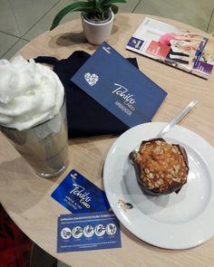Moze kawe latte mrożona i mufinke :-)  #kampania #rekomendujto #Tchibo #tchibocard #kawa #muffinki #kawiarnia