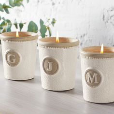 You'll fall in love with this cashmere scented initial candle! #mudpiegift #candle #initial