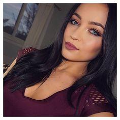 #WomanCrushWednesday & #BeautyBloggerFeature this week goes to @smlx0! We love Stephanie and her timeless beauty. ❤️ #mua #pretty #fotd #motd #instagood #instadaily #beautyblog #selfie #makeuptutorial #follow #like #instalike #youtuber #beautyguru #holidaygifts #holiday #christmas #holidaymakeup #smlx0