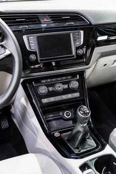 Console centrale du nouveau Volkswagen Touran 2015