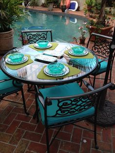 Spray Paint Metal Chairs - Spray Paint Metal Chairs, How to Paint Metal Patio Furniture Diy Projects Outdoor Furniture, Painting Patio Furniture, Painted Outdoor Furniture, Patio Furniture Makeover, Metal Patio Furniture, Art Furniture, Pasta Primavera, Over The Top, Patio Table