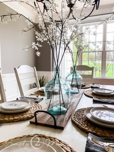 Dining Table Decor Centerpiece, Dinning Room Table Decor, Dining Room Table Centerpieces, Modern Farmhouse Table, Farmhouse Dining Room Table, Farmhouse Style, Dollar Stores, Decorating Ideas, Easter Table