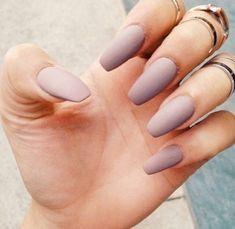Nail polish: matte matte lavender