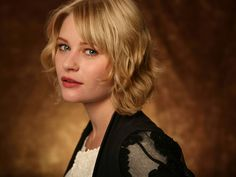 Claire, a newly minted medic, is played by Emilie de Ravin.  In her prior existence she worked as a mechanic on dirigibles.  She stayed back at Versailles to complete her training while the Crimsons went on Progress.