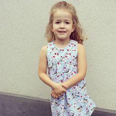Elle is blij met haar nieuwe kleedje ☺. #tulipdressandtop