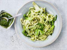 Green Pasta: Bärlauch Tagliatelle mit Bärlauch-Pesto Pesto, Spaghetti, Cooking, Ethnic Recipes, Aglio, Food, Fancy, Al Dente, Vegetarian