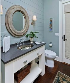 cute nautical bathroom.