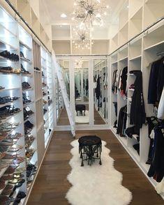14 Walk In Closet Designs For Luxury Homes Walk In Closet Design, Bedroom Closet Design, Master Bedroom Closet, Closet Designs, Bedroom Decor, Bedroom Small, Dressing Room Closet, Dressing Room Design, Dream Closets