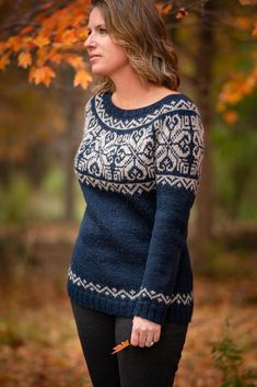 Ravelry Mount Lorne Pullover Knitting pattern by Andrea Cull Christmas Knitting Patterns, Sweater Knitting Patterns, Knit Patterns, Stitch Patterns, Fair Isle Knitting, Arm Knitting, Icelandic Sweaters, Dress Gloves, Yarn Brands
