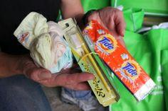 'Hoop in tijden van horror'  Directeur Oxfam Australië, Helen Szoki, kwam op 13 november aan op het eiland Cebu om noodhulp op de Filipijnen te helpen coördineren. Lees haar verslag.   Help ook mee! Ga naar www.giro555.nl    Foto:Chee Chee Leung/Oxfam  #haiyan #oxfamnovib