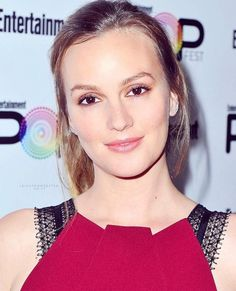 NEW // Leighton attends Entertainment Weekly's Popfest in Los Angeles tonight 😍 She's so pretty! I'm so happy to have new pictures of her 😭❤️ Check my insta story for more! — Goodnight guys, I'll post more tomorrow. Leighton Meester, Entertainment Weekly, Insta Story, New Pictures, Entertaining, Guys, Instagram Posts, Pretty, October