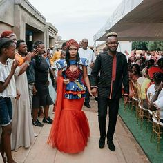 LATEST WEDDING TSWANA SHWESHWE DRESSES COUPLES WILL LOVE African Traditional Wedding Dress, Traditional Wedding Decor, Traditional Dresses, Traditional Design, African Fashion Skirts, South African Fashion, African Fashion Designers, African Wear, African Dress