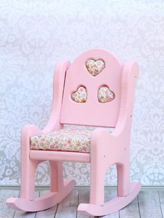 morena's corner: How to Update an Old Rocking Chair with Chalk Paint and Cushions. #decoartprojects