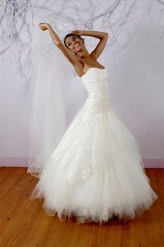 idées sur le thème Robes De Mariée En Dentelles sur Pinterest  Des ...