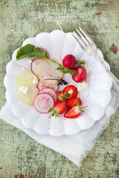 fresh radish, strawberry and goat cheese salad > by Aran