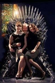 Game of Thrones: Maisie Williams, Liam Cunningham and Carice Van Houten George Rr Martin, Maisie Williams, Game Of Trone, Liam Cunningham, Hbo Tv Series, Game Of Thrones Cast, Iron Throne, Mother Of Dragons, Arya Stark