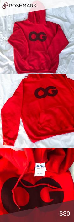 EUC OG HOODED SWEATSHIRT GILDAN MENS SIZE LARGE EXECLLENT USED CONDITION OG HOODED SWEATSHIRT  SIZE L (NO THIS IS NOT SUPREME)   VERY FEW signs No rips, tears,  or stains. (BUT ONE TINY HOLE) NOT EVEN NOTICEABLE   SMOKE FREE HOME. Ships same or next day.   All product is 100% authentic Supreme Jackets & Coats Lightweight & Shirt Jackets