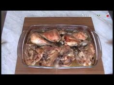 Pulpe de pui cu bere si stafide la cuptor (video) Carne, Chicken, Cooking, Knits, Food, Thighs, Pineapple, Kitchen, Essen