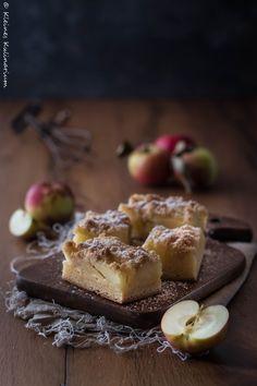 Apfelkuchen mit Streuseln! Ein Klassiker! In diesem Fall nicht nur mit einem normalen Hefeteig sondern mit einem Zwillingsteig!
