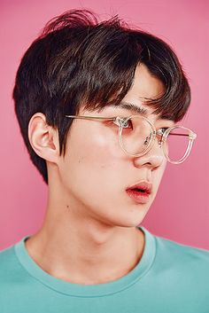 Image shared by Carmen Rodriguez. Find images and videos about kpop, exo and sehun on We Heart It - the app to get lost in what you love. Chanbaek, Exo Ot12, Kris Wu, Exo Lucky One, Jimin, Chanyeol Baekhyun, Shinee Onew, Exo Lockscreen, Korean Boy