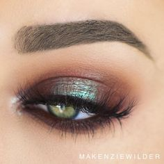 makenziewilder used the morphebrushes 35O palette and maccosmetics Blue Brown pigment on center of lid
