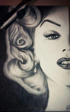 #marilynmonroe #portrait #draw #drawing #comics #pencil #disegno #ritratto #loryfra