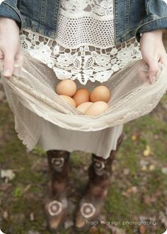 Fresh eggs from the chickens! Country Charm, Country Life, Country Girls, Country Living, Country Style, Country Roads, Country Strong, Lifestyle Fotografie, Vie Simple