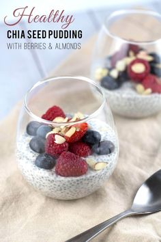 Chia Seed Pudding with Berries and Almonds: Give your morning a healthy boost with this creamy chia seed pudding with fresh berries and almonds! It's so easy to make with no cooking needed, just stir, sit and Healthy Foods To Make, Healthy Diet Recipes, Healthy Food Choices, Healthy Snacks, Healthy Eating, Clean Eating, Cleanse Recipes, Meal Recipes, Healthy Sweets