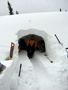 Survival in a snow cave! An instruction guide with steps and tips for building a solid snow cave for survival. A great how-to before your next winter excursion. Survival Shelter, Survival Food, Wilderness Survival, Camping Survival, Outdoor Survival, Survival Knife, Survival Prepping, Survival Skills, Survival Hacks