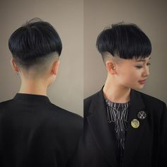 How hot is this buzzed pixie? Undercut Hairstyles, Pixie Hairstyles, Fade Haircut, Crop Haircut, Hair Art, My Hair, Bowl Haircut Women, Bowl Haircuts, Shaved Nape