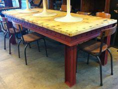 stoere industriele tafel selfmade, houten top