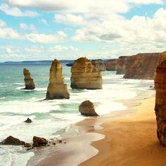 Great Ocean Road #greatoceanroad #australia #australien #victoria #seevictoria #meer #ocean #sea #beach #strand #sand #waves #wellen #throwback #2012 #twelveapostles #travel #wanderlust #reise #reisen #aroundtheworld #roadtrip by ooosasooo
