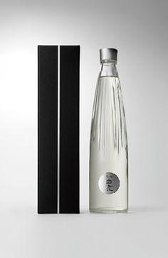 """Japanese packaging for Sake """"Kuromatsu Hakushika"""""""