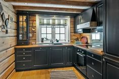 Cozy Kitchen, New Kitchen, Cabin Homes, Log Homes, Log Cabin Kitchens, Fancy Kitchens, Diy Kitchen Remodel, Interior Exterior, Beautiful Kitchens