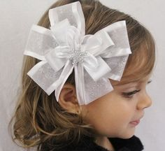 Christmas Hair Bow to make that little one shine