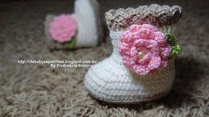 pas a pas en images - Crochet Passion Crochet Bebe, Crochet Baby Booties, Love Crochet, Crochet For Kids, Knit Crochet, Crochet Slippers, Yarn Stash, Crochet Purses, Baby Knitting