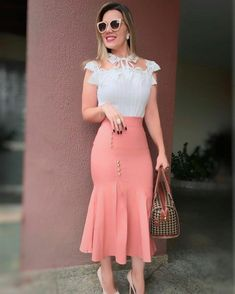 Fashion dresses outfits ideas amazing fashionable dress trends design day d African Wear, African Fashion, Skirt Outfits, Dress Skirt, Classy Outfits, Cute Outfits, Church Outfits, New Fashion Trends, Elegant Woman