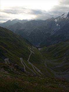 Průsmyk Stelvio (italsky Passo dello Stelvio, německy Stilfser Joch, též Stilfserjoch) je průsmyk ve skupině Ortles v italských Východních Alpách 200 m od hranice se Švýcarskem. Nachází se v nadmořské výšce 2758 m n.m., jedná se o nejvýše položené silniční sedlo ve Východních Alpách a druhé nejvyšší v Alpách; po jen o několik metrů vyšším Col de l'Iseran (2770 m n.m.). Průsmykem prochází jedna z etap cyklistického závodu Giro d'Italia.