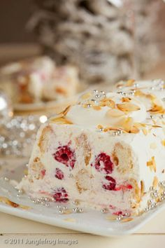 Mascarpone raspberry trifle