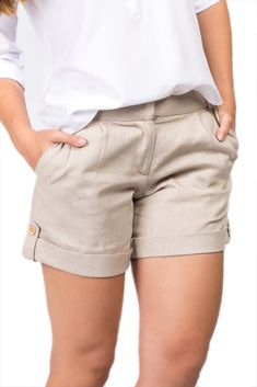 Short Usedonna Alfaiataria Linho Areia Source by elegantes Edgy Outfits, Short Outfits, Fashion Outfits, Kurti Designs Party Wear, Chor, Cute Summer Outfits, Casual Looks, Bermuda Shorts, Casual Shorts