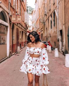 - outfits verano mujer - ropa para verano Source by clothes Spring Fashion Casual, Look Fashion, Girl Fashion, Fashion Outfits, Spain Fashion, Cuba Fashion, Mexico Fashion, Europe Fashion, Italy Fashion