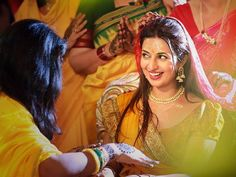 A Vibrant,Colorful Celebrity Wedding – Get Inspired from Divyanka Tripathi's Mehndi & Haldi Photographs #CelebrityWedding #Wedding #DivyankaTripathi's #WeddingPhotography