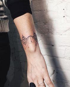 Marlon Brando Red Ink Tattoos, Elbow Tattoos, Time Tattoos, Body Art Tattoos, Hand Tattoos, Small Tattoos, Cool Tattoos, Tatoos, Dream Tattoos