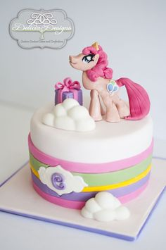 @Mary Muscarello, check this out for Holly's birthday:) My Little Pony