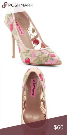 Gorgeous floral pumps Beautiful pair of floral pumps! Worn once. Betsey Johnson Shoes Heels