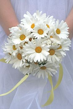 silk daisy wedding flowers