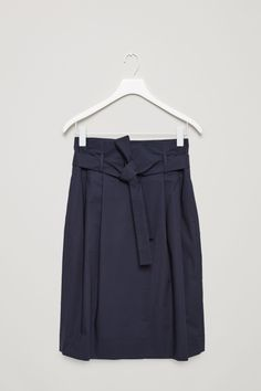COS image 4 of Waist pleated skirt in Navy
