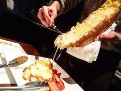 """老若男女問わず誰もが好きな""""チーズ""""。今回は、東京都内で大人気のチーズを使ったおすすめグルメをご紹介します。チーズ好きもそうでない人も、一度は食べる価値があるおすすめ店ばかりです。"""