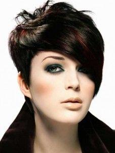 Black is BACK:  Draag jij deze herfst zwart haar Bekijk hier gave zwarte kapsels!