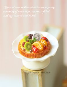 Dollhouse Miniatures, Miniature Food Jewelry, Craft Classes: Give Me The Goods - A Miniature Fruit Tart